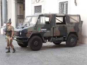 Strade-sicure-militari-soldati-esercito-e1533222284172