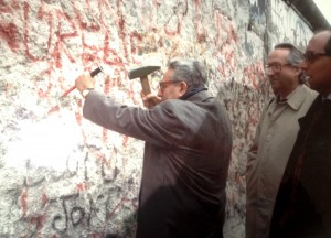 Pino Rauti e la caduta del muro di Berlino