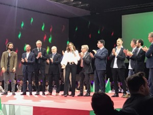 La-delegazione-virgiliana-sul-palco-di-Milano